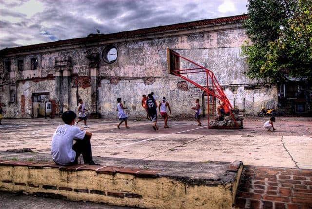 1024px-Basketball_in_Intramuros-photo-credit-Wikimedia-Commons-e1560776915157